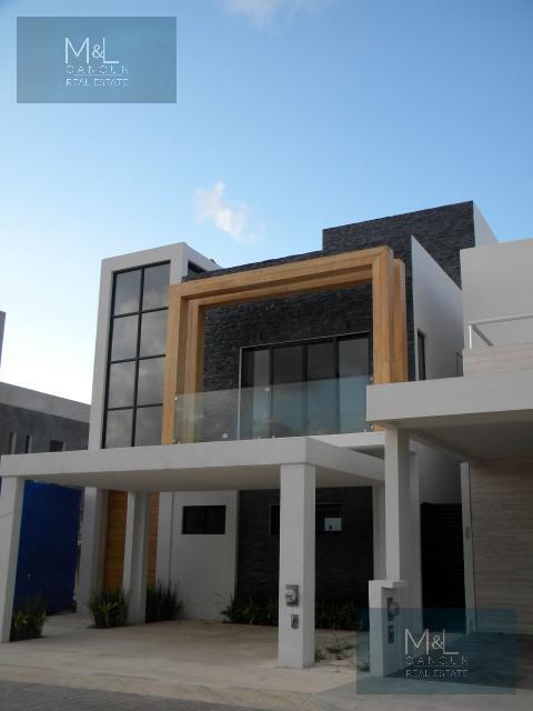 Foto Casa en Venta en  Aqua,  Cancún   Casa en Venta en Cancún, Residencial Aqua  de 3 Recámaras con Alberca Fase II