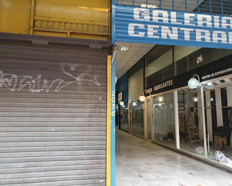 Foto Local en Venta en  Lanús Este,  Lanús  Anatole France 2036 Local 26