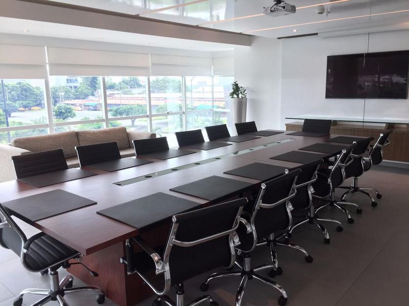Foto Oficina en Alquiler en  Norte de Guayaquil,  Guayaquil  ALQUILER DE OFICINA EN EDIFICIO SKY BUILDING