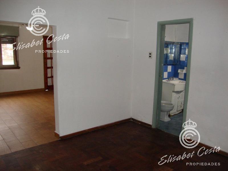 Foto Casa en Venta en  Remedios De Escalada,  Lanus  Marraspin al 4100
