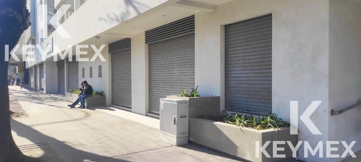 Foto Local en Alquiler en  La Plata ,  G.B.A. Zona Sur  8 esquina 65