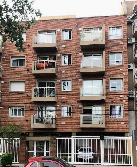 Foto Departamento en Venta en  Castelar,  Moron  Los Incas 2500