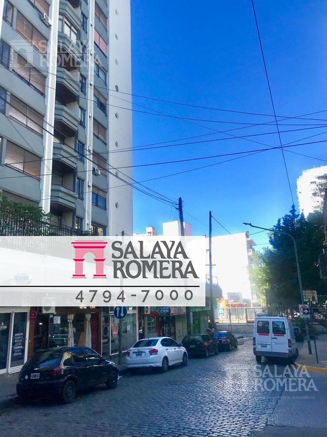 Foto Cochera en Venta en  Olivos,  Vicente Lopez  Sturiza al 500