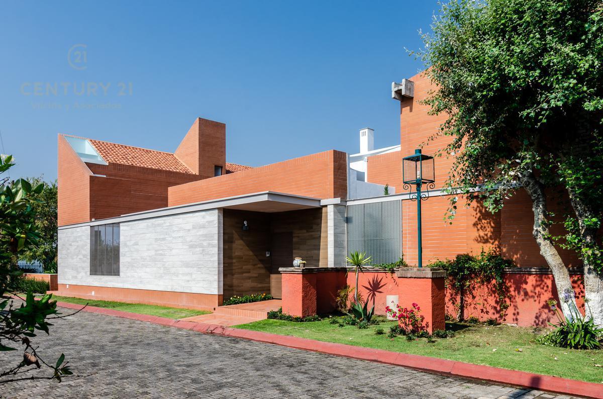 Foto Casa en condominio en Venta en  Sur de La Hacienda,  Metepec  Magnifica Residencia en Metepec