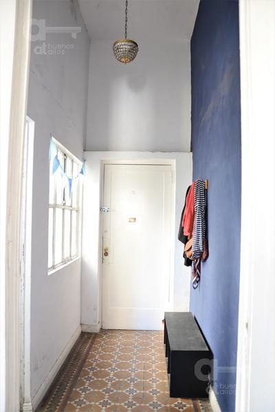 Foto Departamento en Venta en  San Telmo ,  Capital Federal   Venezuela al 600