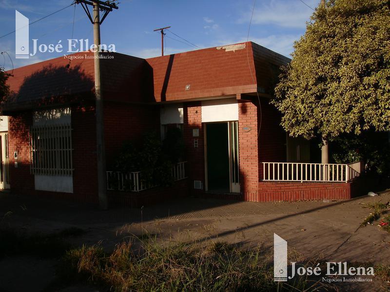 Foto Casa en Venta en  Bella Vista,  Rosario  Iriondo al 3600