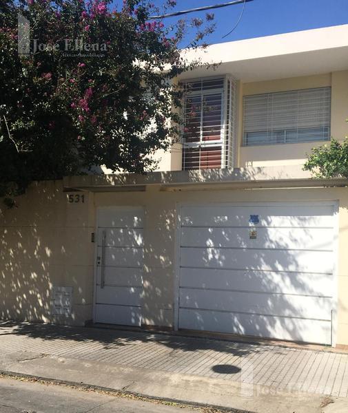 Foto Casa en Venta en  Refinerias,  Rosario  Av. Carballo  500