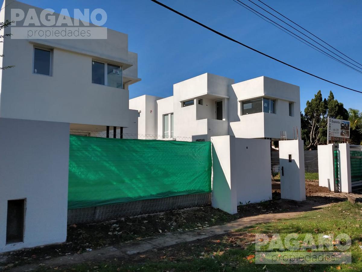 Foto PH en Venta en  City Bell,  La Plata  477 e/ Cno Belgrano y 20