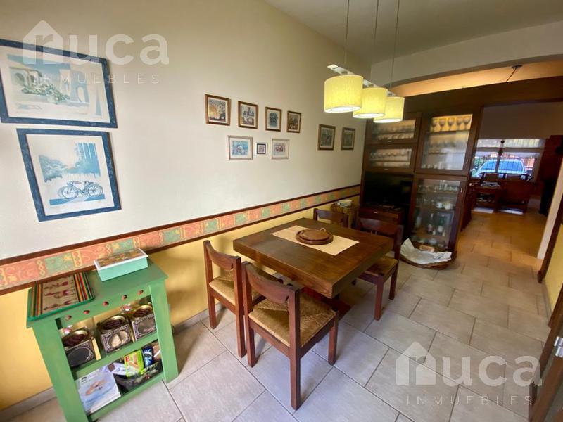 Foto Casa en Venta en  Olivos,  Vicente López  Encantador Dúplex de 3 dormitorios jardín y quincho como a estrenar!! Francisco Borges al 2500