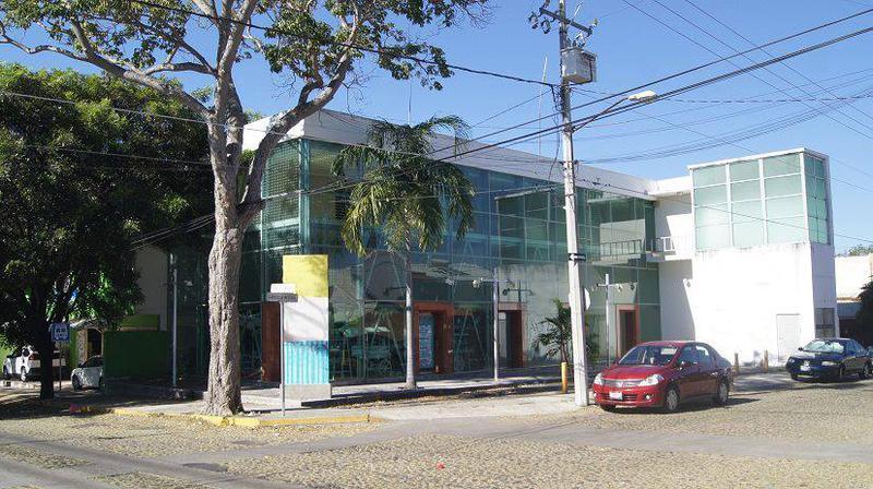 Foto Oficina en Renta en  Lomas de Circunvalación,  Colima  Ignacio Sandoval esq. Gabriela Mistral Planta Alta