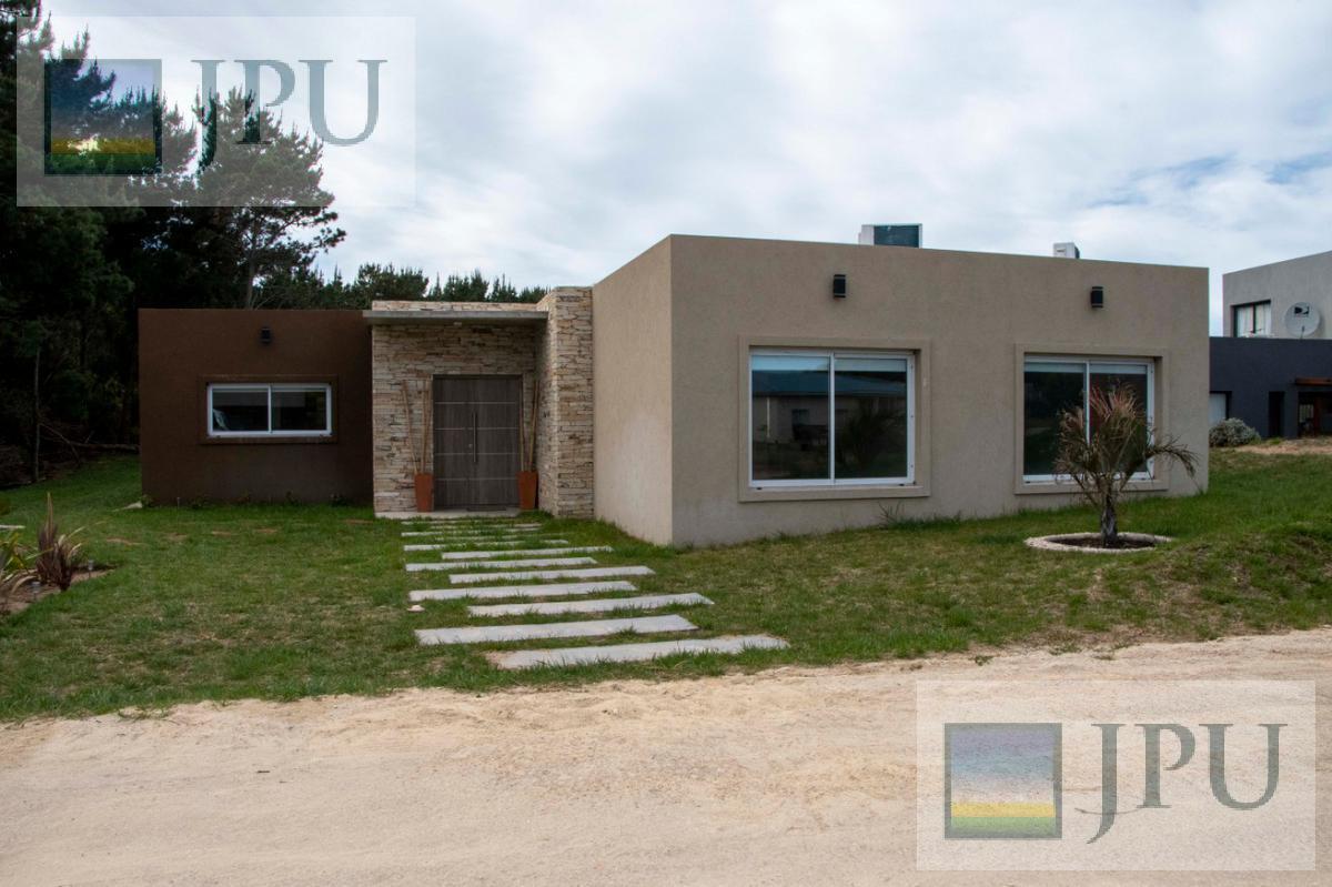 Foto Casa en Alquiler temporario en  Costa Esmeralda,  Punta Medanos  Senderos II 98
