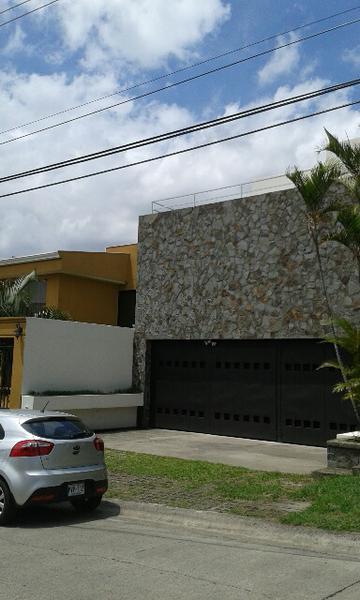 Foto Casa en Renta en  San Rafael,  Escazu   Hermosa Casa Sola Residencial Los Laureles, San Rafael de Escazú