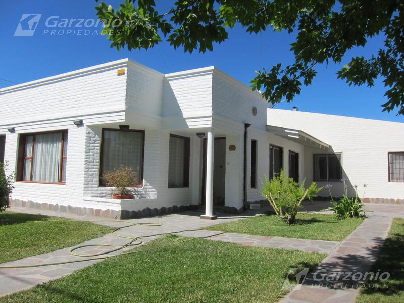 Foto Casa en Venta en  Trelew ,  Chubut  BARRIO SAN BENITO