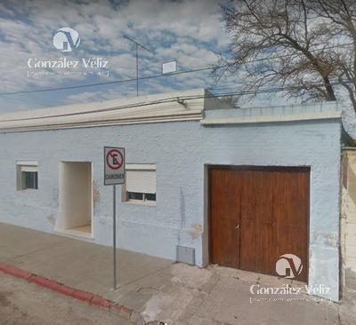 Foto Casa en Alquiler en  Carmelo ,  Colonia  Buenos Aires Esquina Juncal
