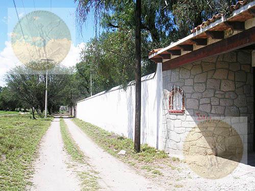 Foto Terreno en Venta en  Barrio San Juan,  Tequisquiapan  Bonito terreno plano, bardado