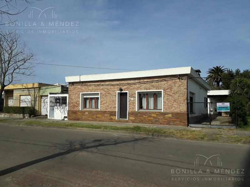 Foto Casa en Venta en  Pan de Azúcar ,  Maldonado  Enrique Brum al 700 casa muy cómoda