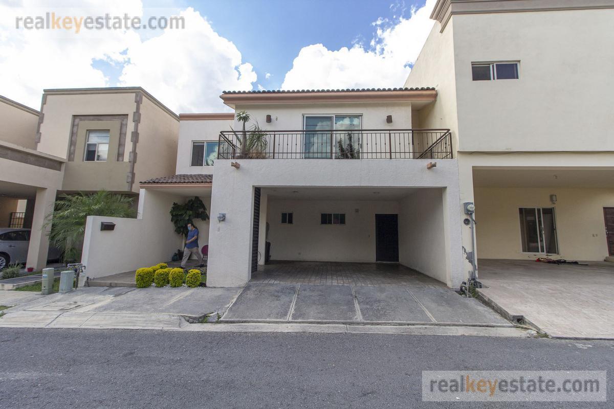 Foto Casa en Venta en  La Rioja Privada Residencial 1era. Etapa,  Monterrey  CASA EN VENTA EN LA RIOJA, MONTERREY, N.L.
