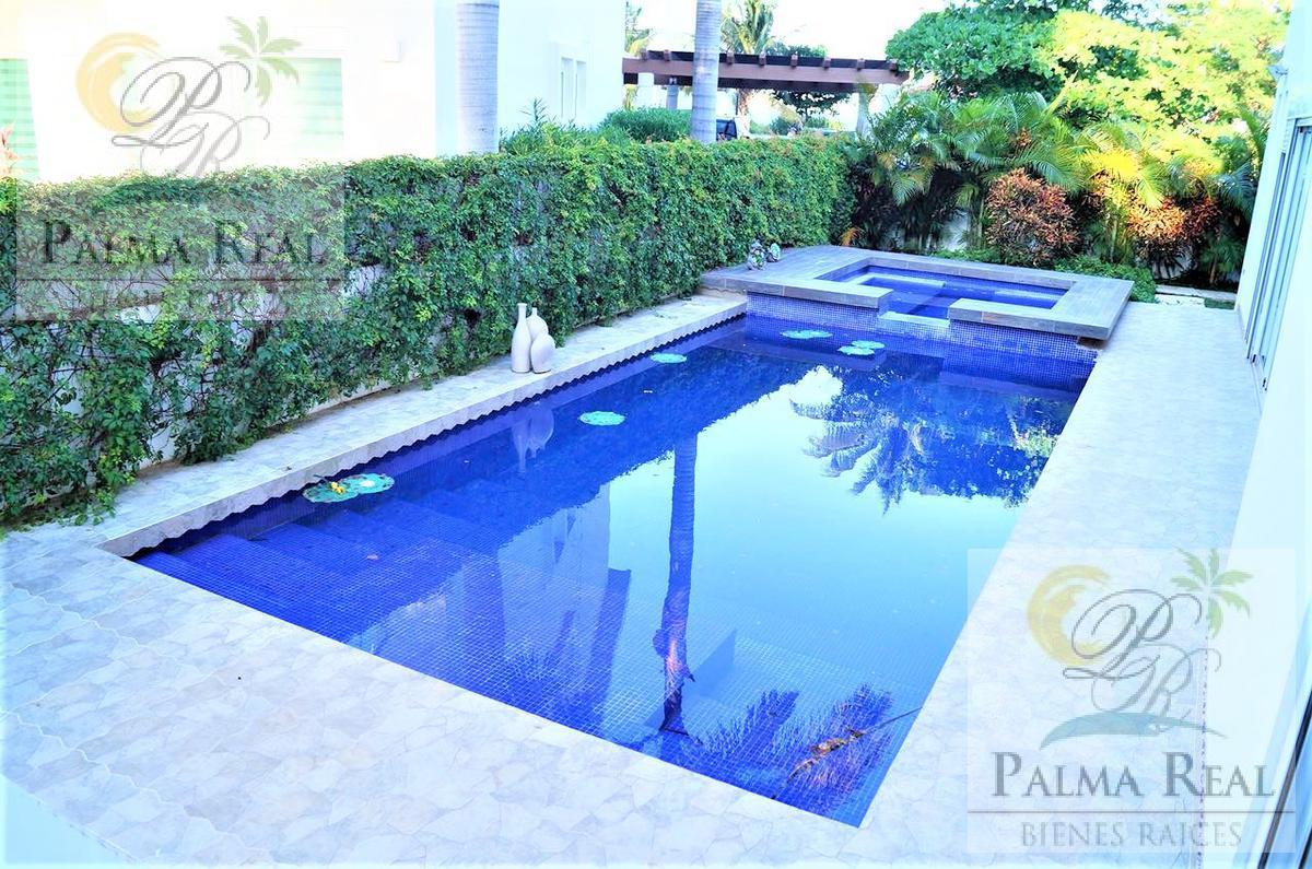 Foto Casa en Renta en  Zona Hotelera,  Cancún  LUJOSA PROPIEDAD AMUEBLADA (ISLA DORADA)