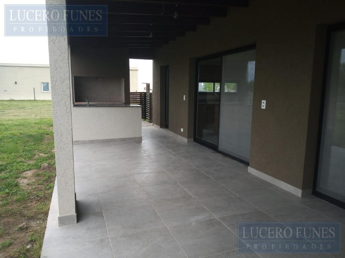 Foto Casa en Venta en  El Canton - Puerto,  Countries/B.Cerrado (Escobar)  Barrio el Cantón (Puerto) Lote 74