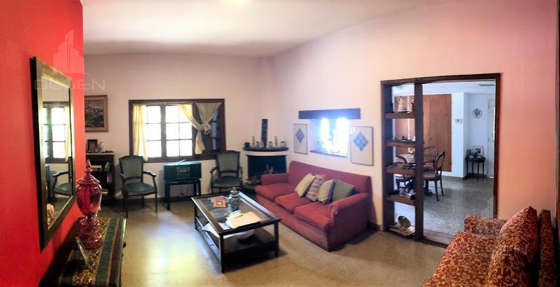 Foto Casa en Venta en  Villa Allende,  Cordoba Capital  EXC OPORTUNIDAD!! Villa Allende - 4 Dor - 3 bñs - 2 casas en terreno de 647m2! ESCRITURA APT Crédito!!