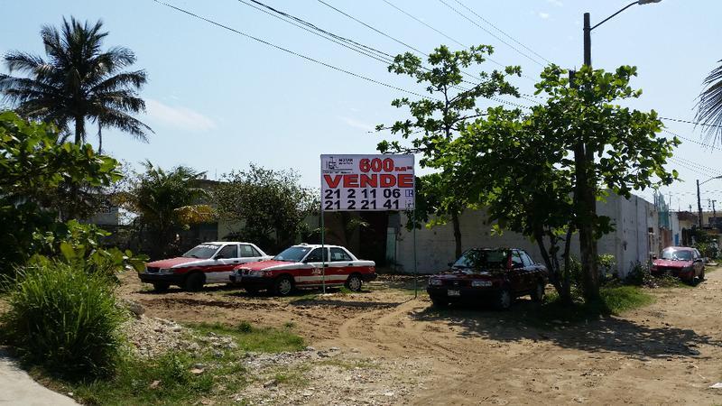 Foto Terreno en Venta en  Frutos de La Revolución,  Coatzacoalcos  Francisco Villa Lotes 6 y 7, Manzana 244, casi esquina Artículo 27, Colonia Frutos de la Revolución