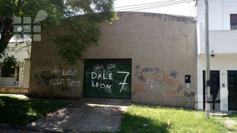 Foto Galpón en Venta en  Tolosa,  La Plata  6 e/ al 500