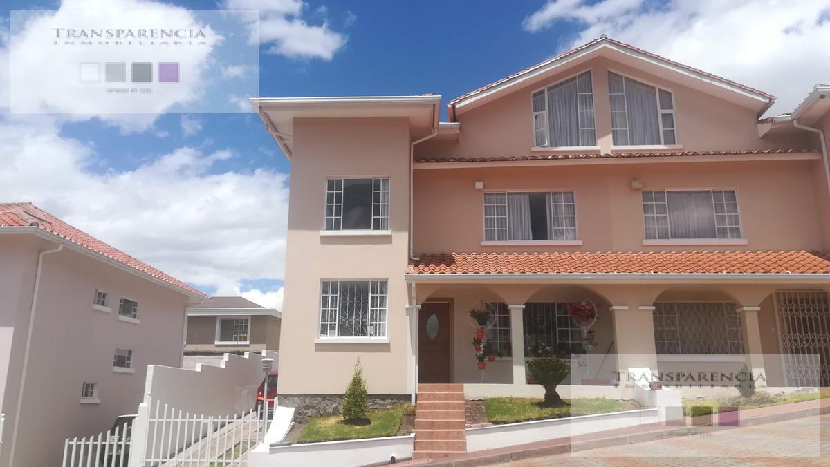 Foto Casa en Venta en  La Armenia,  Quito  Gualberto Arcos La Armenia