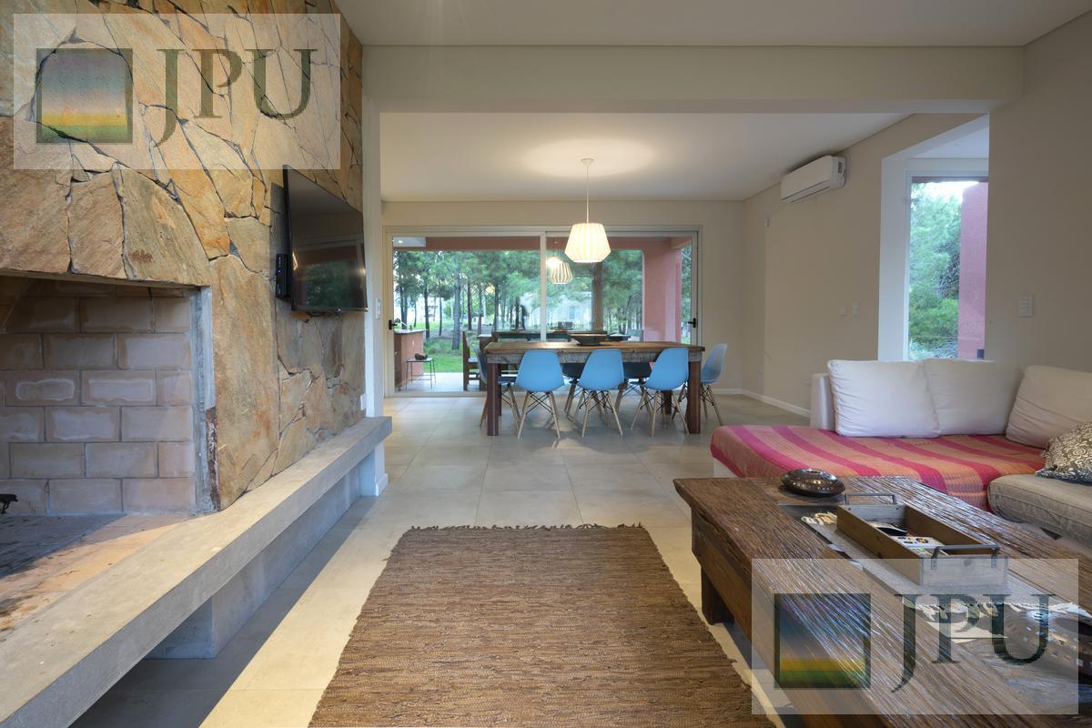 Foto Casa en Venta en  Costa Esmeralda,  Punta Medanos  Residencial I 270