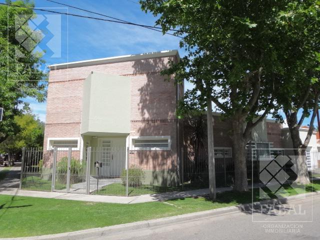 Foto Casa en Venta en  Manzanares 7 ,  Cipolletti  Las Acacias 1203 - Barrio Manzanar