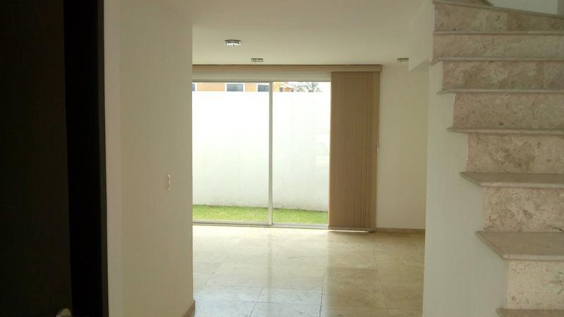 Foto Casa en Renta en  Momoxpan,  San Pedro Cholula  Casa en renta  en Fraccionamiento Cerrado Zona de la Carcaña, San pedro cholula