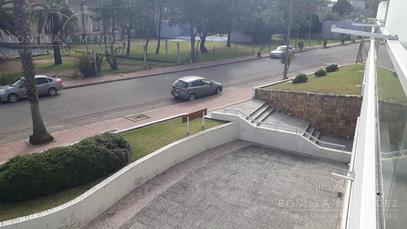 Foto Departamento en Alquiler en  Centro,  Piriápolis  Calle Armenia entre Rambla de los Argentinos y Hector Barrios