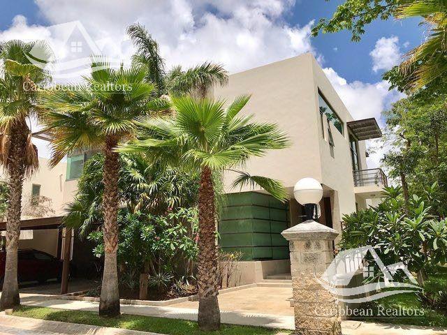Foto Casa en Venta en  Cancún ,  Quintana Roo  Casa en venta en Villa Magna Cancún
