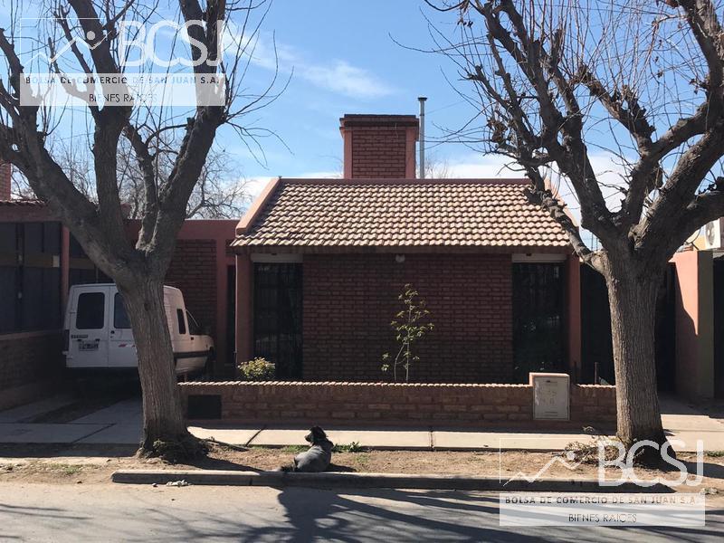 Foto Casa en Venta en  Capital ,  San Juan  Bº Solares III