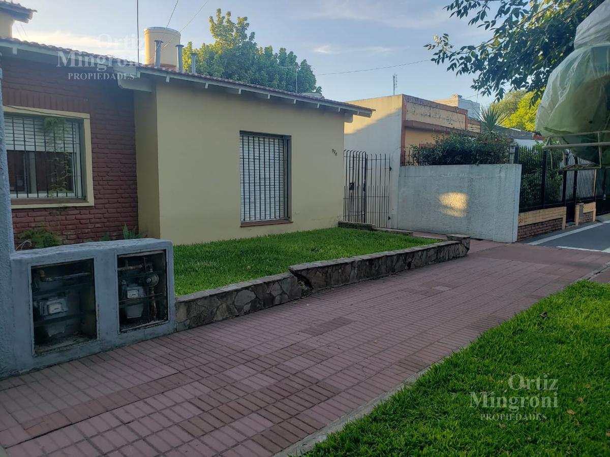 Foto Casa en Alquiler en  Lomas De Zamora,  Lomas De Zamora  Gaito al 100