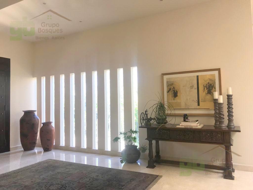 Foto Casa en Venta en  Cuajimalpa ,  Ciudad de Mexico  Casa en venta con Jardin en Bosques de las Lomas, Residencial La Punta, CDMX