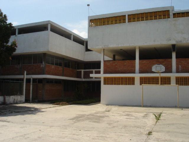 Foto Edificio Comercial en Venta en  Fidel VelAzquez,  Ciudad Madero  ELO-169 EDIFICIO EN VENTA FRENTE LAGUNA DEL CARPINTERO, TAMPICO TAM.