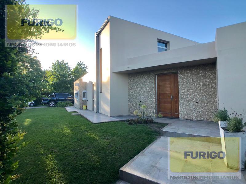 Foto Casa en Venta en  Perez ,  Santa Fe  Juan XXIII 986, Pérez
