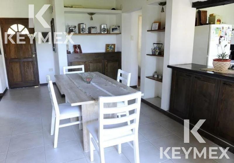 Foto Casa en Venta en  Villa Parque Sicardi,  La Plata  655 ENTRE 8 Y 9