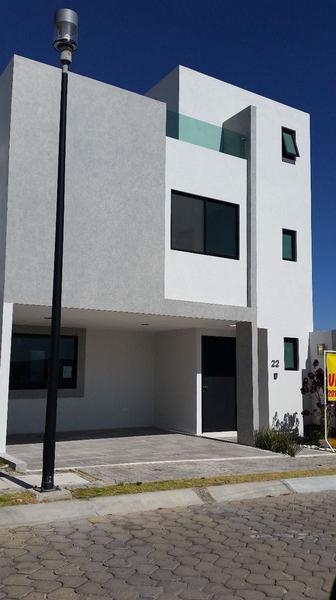 Foto Casa en Venta en  San Andrés Cholula ,  Puebla  Casa en Venta, Parque Habana en Lomas de Angelopolis