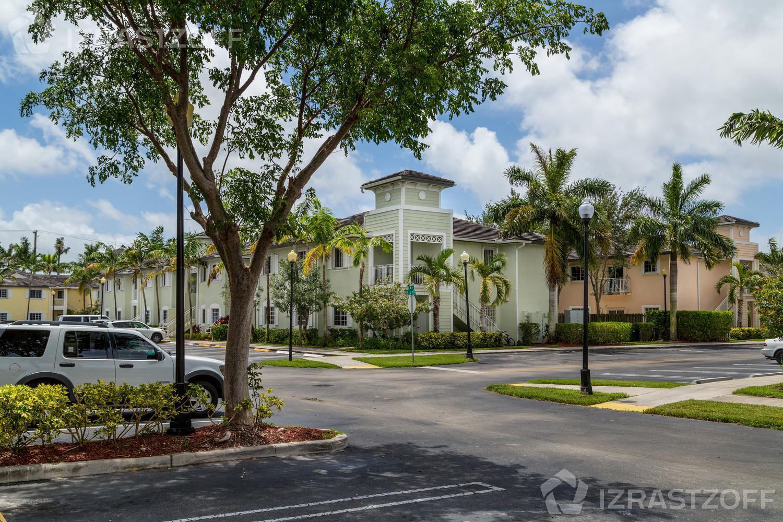 Departamento-Venta-Miami-dade-Oportunidad de Inversión en Caribbean Isle Villas  Miami