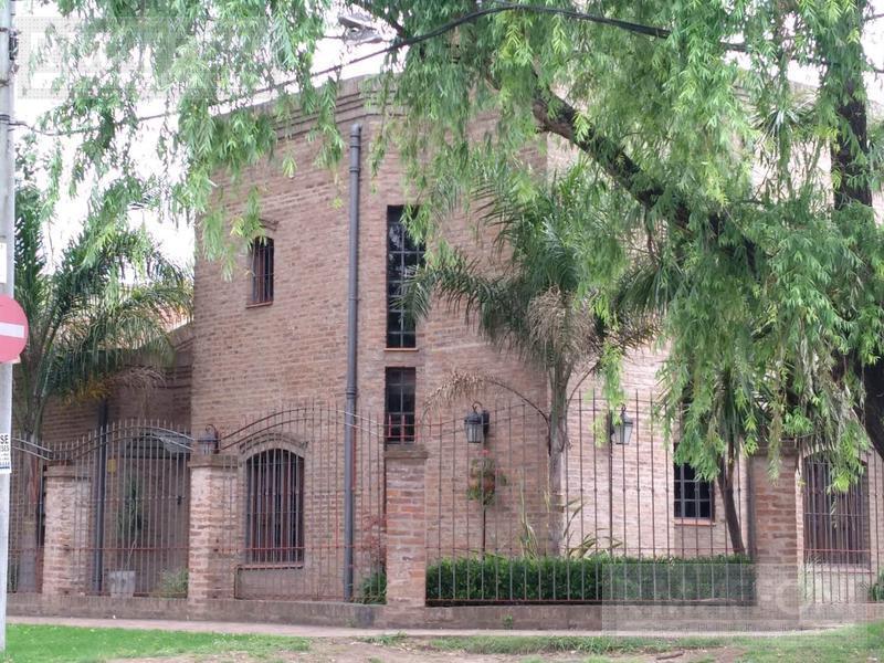 Foto Casa en Venta en  Almirante Brown ,  G.B.A. Zona Sur  Pellegrini 1022