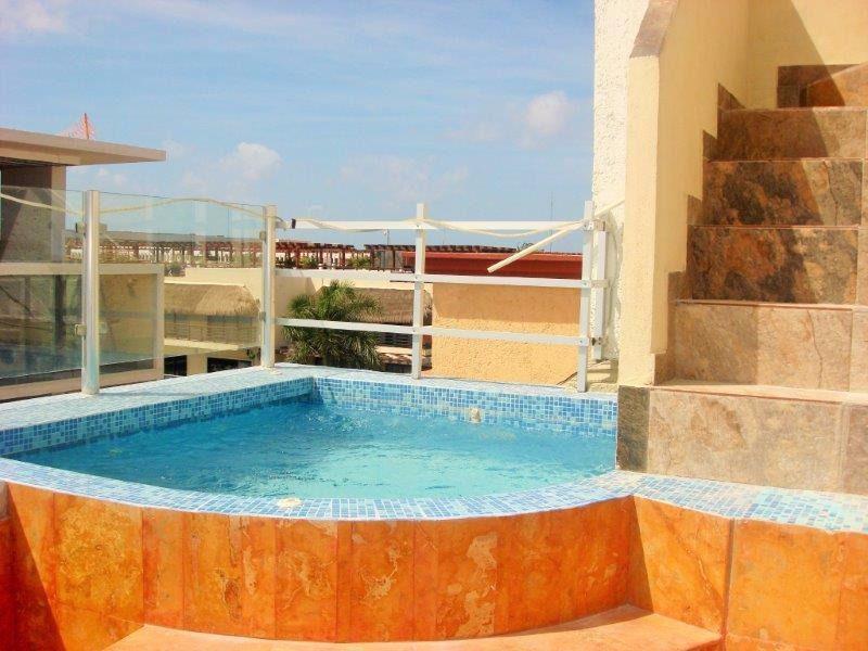 Playa del Carmen Apartment for Sale scene image 12