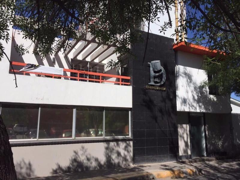 Foto Local en Renta en  Zona Centro,  Chihuahua  Local DOS PLANTAS Renta Centro Histórico $30,000 Paopas E2