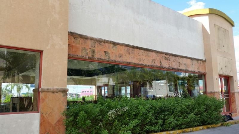 Foto Local en Venta en  Cancún Centro,  Cancún  LOCAL COMERCIAL EN AV.  AVENIDA PRICIPAL.