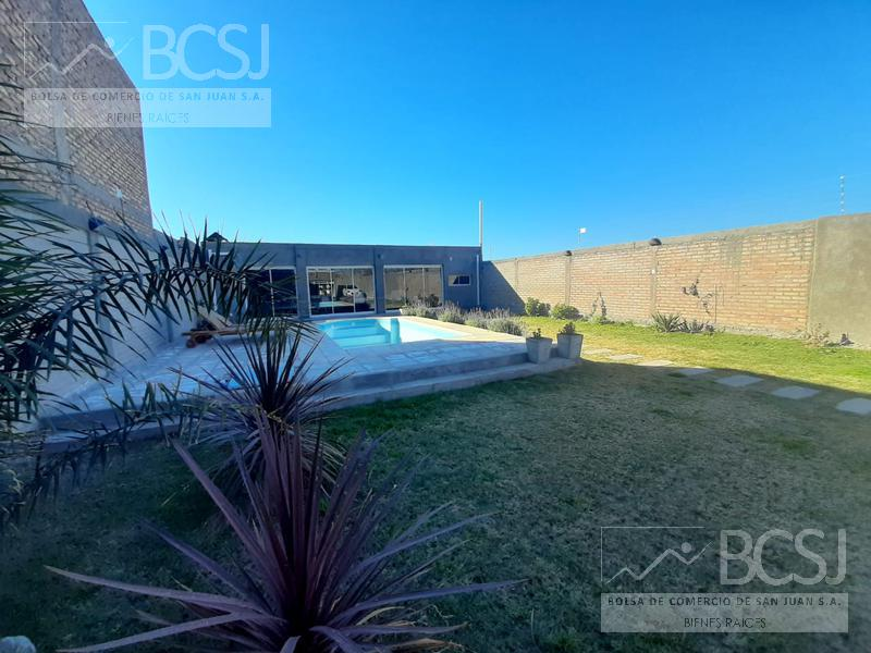 Foto Casa en Venta en  Pocito ,  San Juan  calle 11 y Mendoza