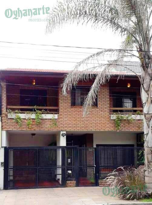 Foto Casa en Venta |  en  Castelar,  Moron  Quintana al 300