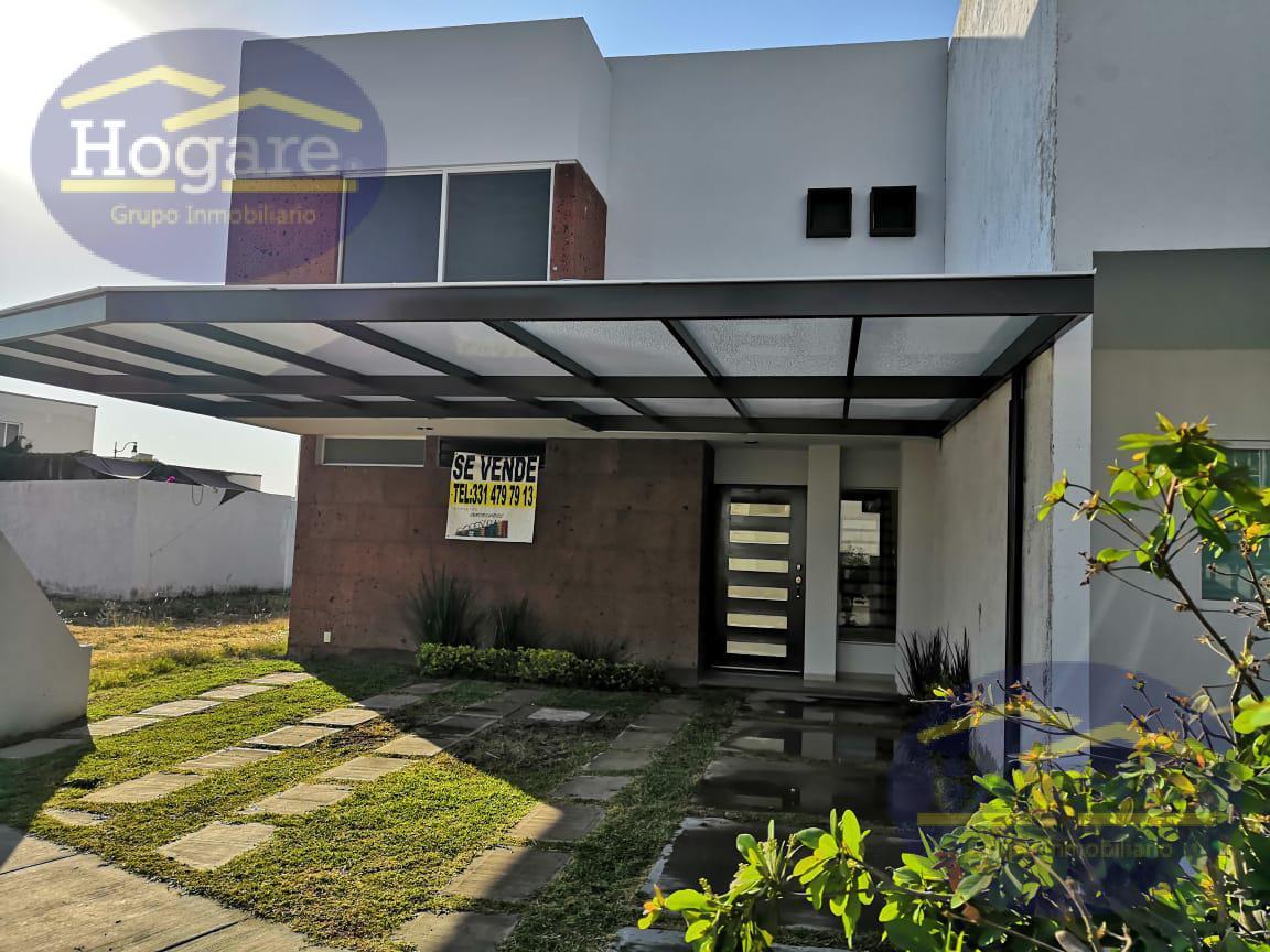Casa en Venta en León, Gto. dentro de privada en EL Mayorazgo Residencial