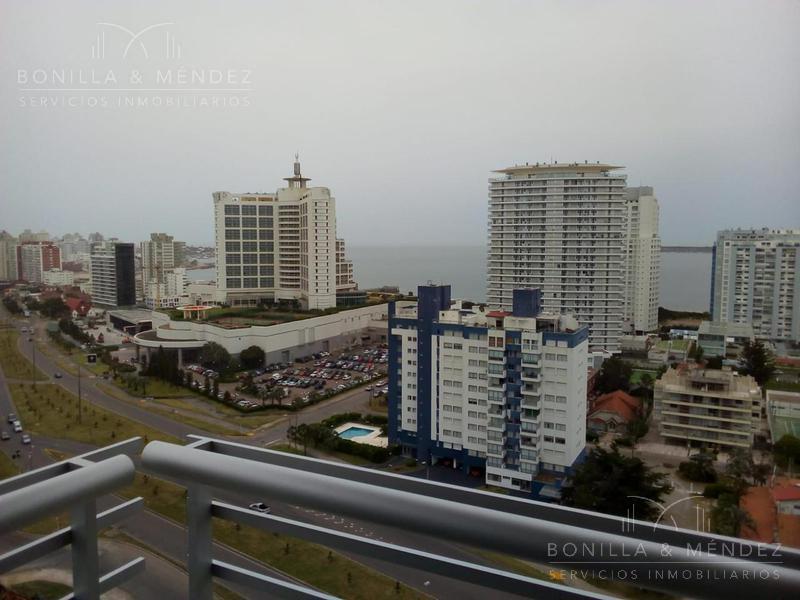 Foto Apartamento en Alquiler temporario en  Aidy Grill,  Punta del Este  Avenida Francisco Salazar y Juan Zorrilla de San Martin