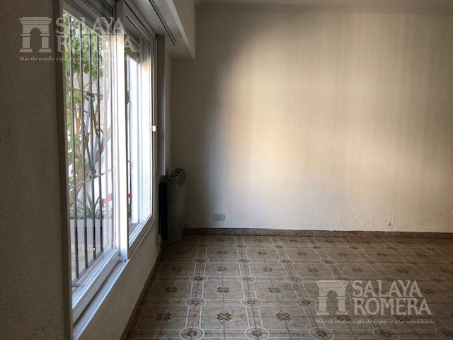 Foto Casa en Venta en  Carapachay,  Vicente Lopez  Cornelio Saavedra al 3700