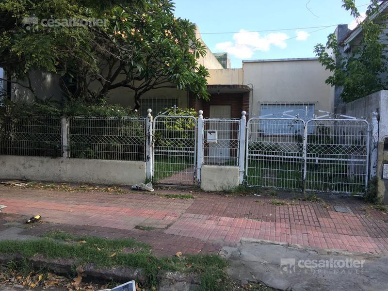 Foto Casa en Venta en  Temperley Este,  Temperley  Angel Gallardo 597